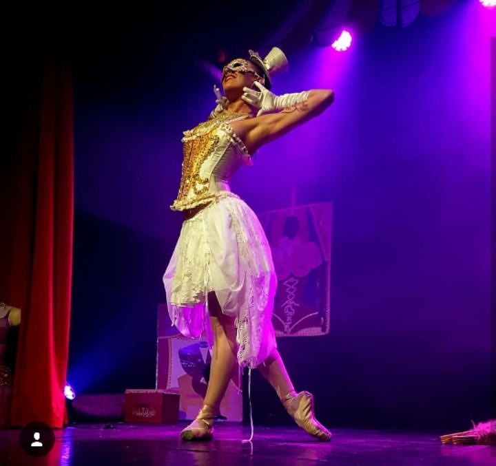 Elena La Gatta. Burlesque Showtime in Strasbourg.